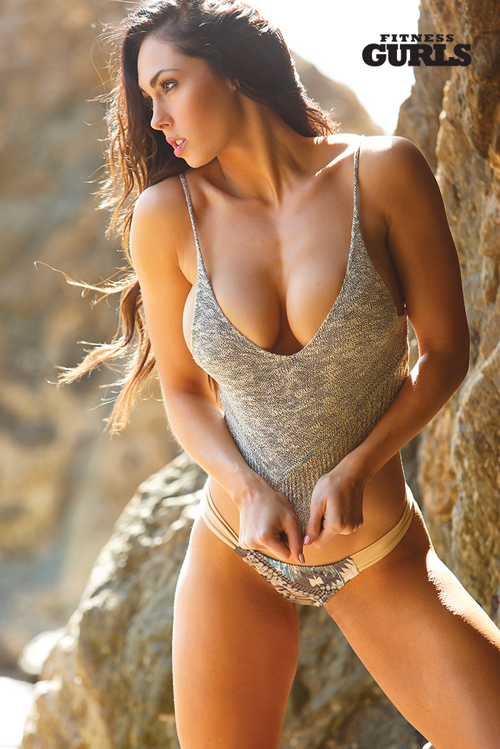 fitness-gurls-swimsuit-hope-beel-02