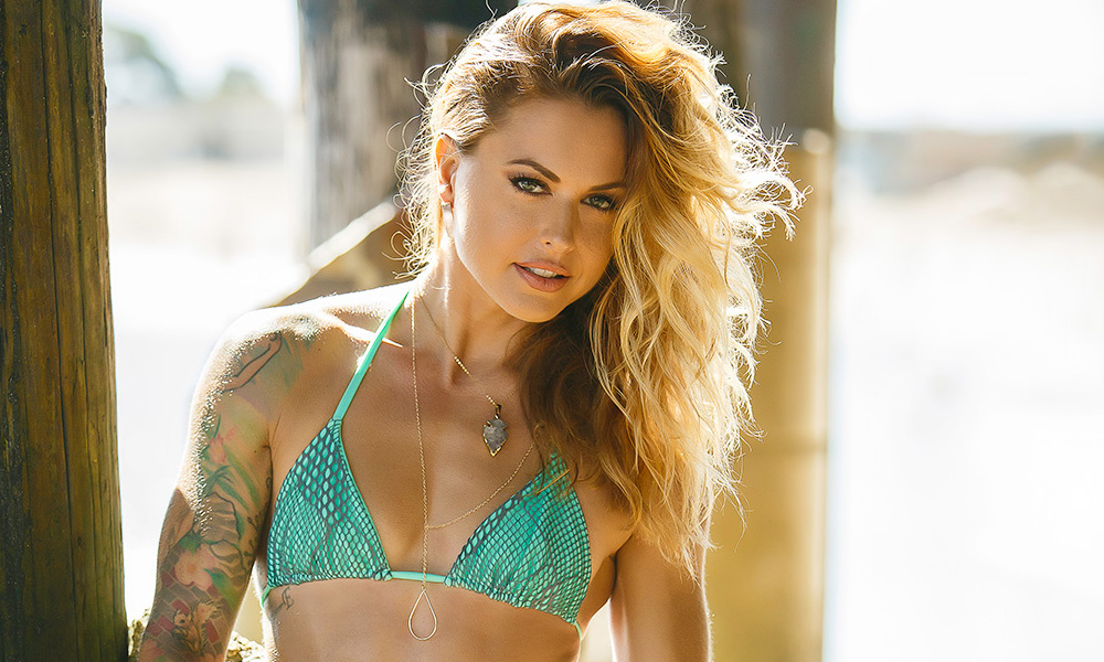 Big Brother Christmas.Christmas Abbott Will Be On Big Brother 19 Fitness Gurls